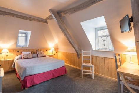 5-chambre2-cabaliros-arcizansavant-HautesPyrenees.jpg