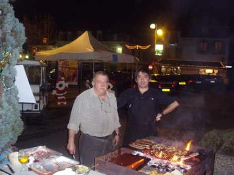 3-barbecue-hotellesfleurs-argelesgazost-hautespyrenees.jpg