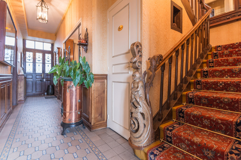 1-2017-hotel-beau-site-escalier-argeles-gazost-hautes-pyrenees.jpg