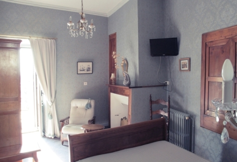 7-chambre2-hotelbeausite-argelesgazost-HautesPyrenees.jpg.jpg