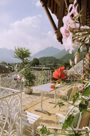 7-terrasse-hotelbeausite-argelesgazost-HautesPyrenees.jpg.jpg