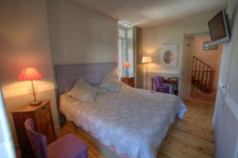 1-chambre1-hotelbonrepos-jarno-argelesgazost-HautesPyrenees.jpg