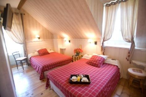 1-chambre3-hotelbonrepos-jarno-argelesgazost-HautesPyrenees.jpg