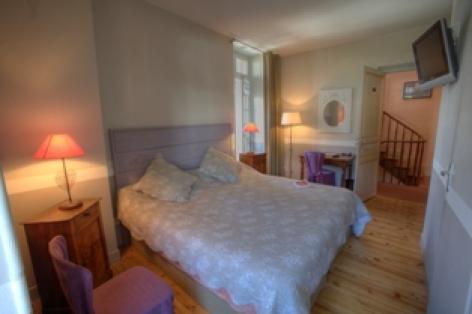19-chambre1-hotelbonrepos-jarno-argelesgazost-HautesPyrenees.jpg