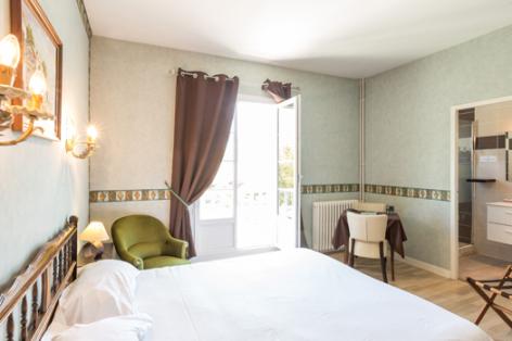 3-chambre3-lescimes-argelesgazost-HautesPyrenees.jpg
