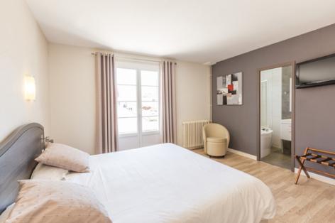 4-chambre4-lescimes-argelesgazost-HautesPyrenees.jpg