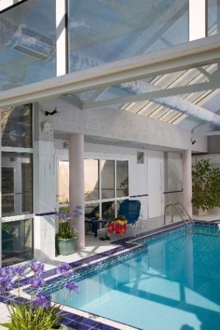 8-piscine-hotellescimes-argelesgazost-hautespyrenees.jpg