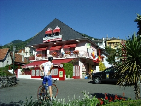 0-facade-hotelprimeros-argelesgazost-hautespyrenees.jpg