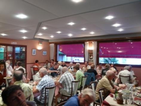 16-salledesrestaurant2-hotelprimeros-argelesgazost-hautespyrenees.jpg