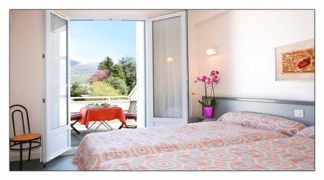 1-chambre1-hotellesoleillevant-argelesgazost-hautespyrenees.jpg