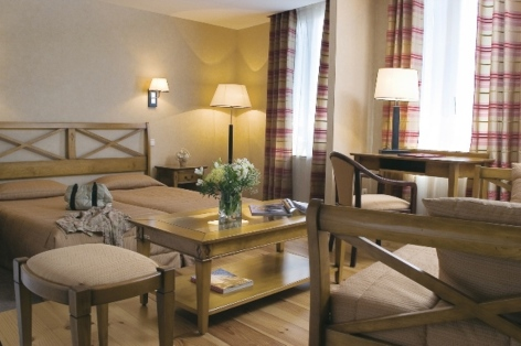 5-HPH30---HOTEL-D-ANGLETERRE---Chambre---ARREAU.jpg