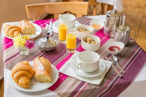 1-HPH26---Hotel-du-Lavedan----petit-dejeuner.jpg