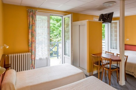 2-HPH26---Hotel-du-Lavedan---chambre.jpg