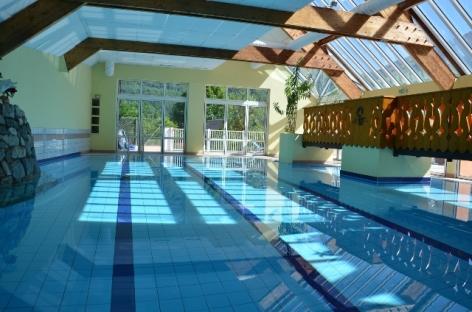 14-HPH47---Hotel-Le-Picors---piscine.JPG