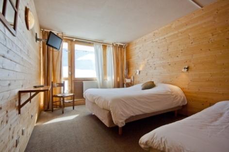 0-HOTEL-LA-MANDIA-chbre-bain-W.jpg