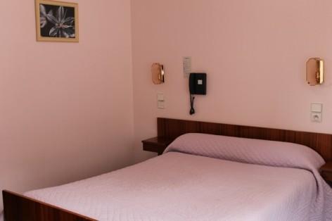 1-GTBH02---Hotel-Le-Grand-Bivouac-chambre.jpg