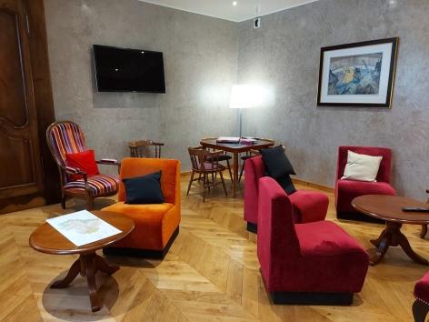 1-HPH61---HOTEL-LA-MONTAGNE-FLEURIE---Salon-1---BAREGES.jpg