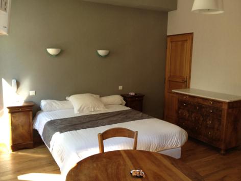 2-chambre1-montagnefleurie-bareges-HautesPyrenees.jpg