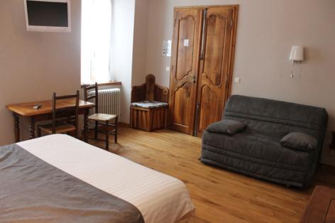 3-chambre2-montagnefleurie-bareges-HautesPyrenees.jpg