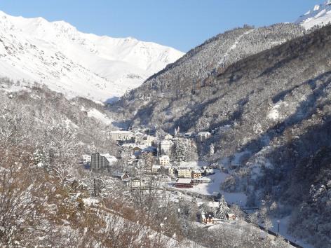 6-Village--hiver--BAREGES.JPG