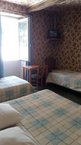 3-chambre4-hoteldelaposte-bareges-HautesPyrenees.jpg