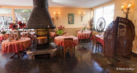 4-Salle-restaurant-paravent.jpg
