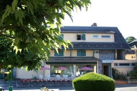 3-FACADE-CHALET-HOTEL-W1.jpg