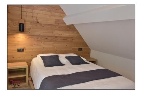 5-HPH133---HOTEL-LE-CHALET---CAMPAN---CH-bleue--1.jpg