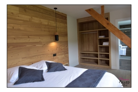 6-HPH133---HOTEL-LE-CHALET---CAMPAN---CH-bleue--2.jpg