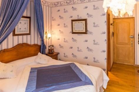 14-HPH8-Le-Lion-d-Or-chambre7.jpg