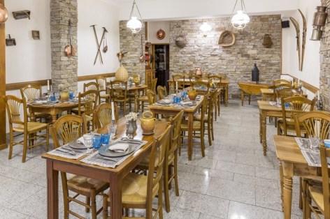 24-HPH8--Le-Lion-d-Or-restaurant.jpg