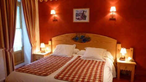 0-HPH16-Hotel-Le-Bois-Joli-chambre-La-Gentiane.jpg