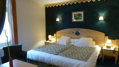 7-HPH16-Hotel-Le-Bois-Joli-chambre-Le-Hetre.jpg