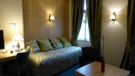 8-HPH16-Hotel-Le-Bois-Joli-chambre-Le-Hetre--2-.jpg