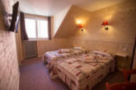12-HPH25---Hotel-Asterides-Sacca---Ch-standard--1-2-et-3-per--1-.jpg