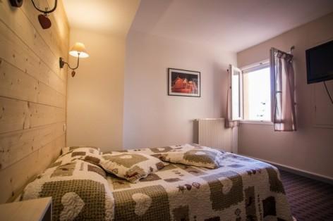 13-HPH25---Hotel-Asterides-Sacca---Ch-standard--1-2-et-3-per--2-.jpg