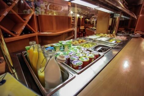 15-HPH25---Hotel-Asterides-Sacca---Buffet-petit-dej--7-.jpg