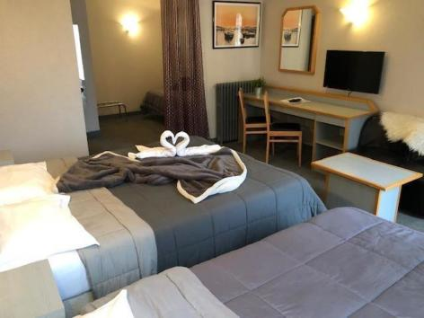 17-HPH25---HOTEL-ASTERIDES-SACCA---CAUTERETS---Chambre--8--2.jpg