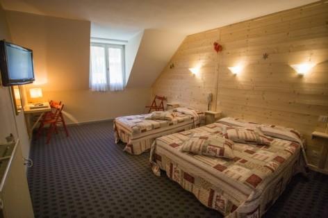 17-HPH25---Hotel-Asterides-Sacca---Ch-standard--1-2-et-3-per--6-.jpg