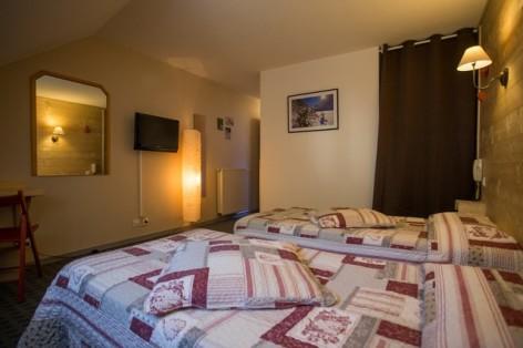 18-HPH25---Hotel-Asterides-Sacca---Ch-standard--1-2-et-3-per--7-.jpg