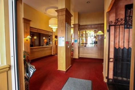41-HPH25---Hotel-Asterides-Sacca---Hall--4-.jpg