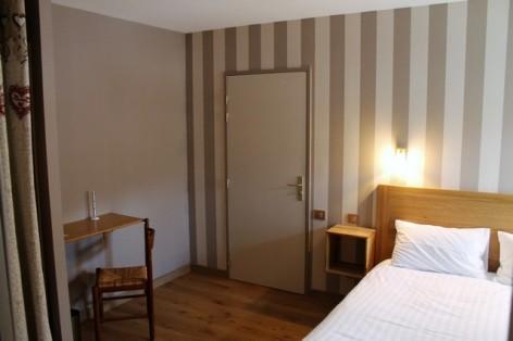 16-HPH128-Hotel-de-Londres-chambre--4-.jpg