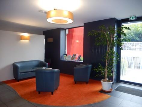 6-HPH129-Hotel-de-La-Demi-Lune-salon.jpg