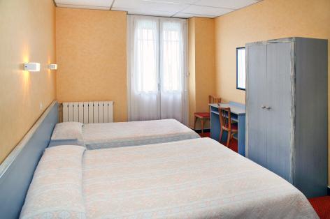 3-Lourdes-Hotel-Montfort.jpg