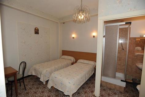 5-Lourdes-hotel-Sandrina--5-.JPG