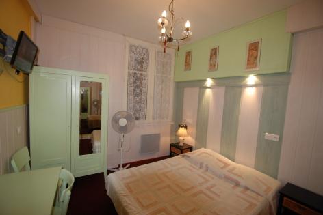 0-Lourdes-hotel-nd-auxiliatrice--2-.JPG