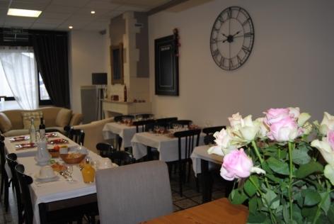 8-Lourdes-hotel-Sainte-Therese-2-etoiles--21-.JPG