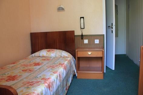 2-Lourdes-hotel-Acapulco--3--2.JPG