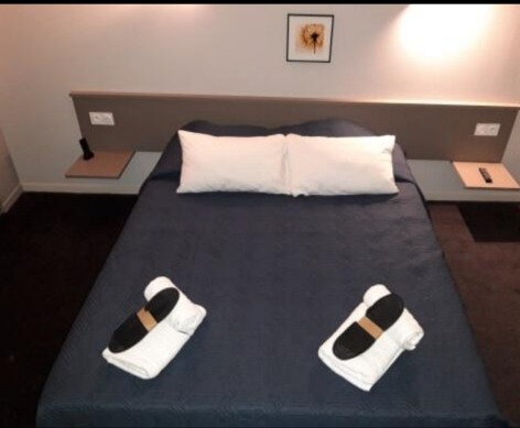 2-Lourdes-hotel-Castel-de-Mirambel--3--3.jpg