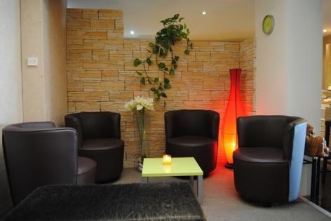 4-Lourdes-hotel-Castel-de-Mirambel--1--2.JPG